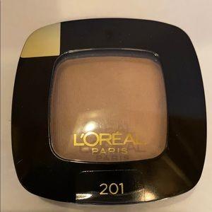 8/$16 L'Oréal Paris Little Beige Dress Shadow